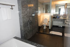 Large Shower at Page 10 Hotel Pattaya