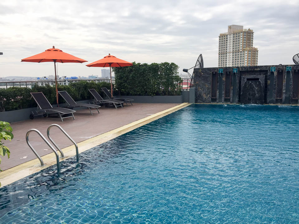 Adelphi Pattaya Roof Top Pool