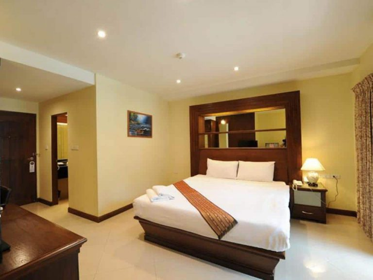 Whitehouse Condotel Pattaya 2